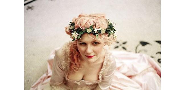 Кирстен Дънст като Мария-Антоанета