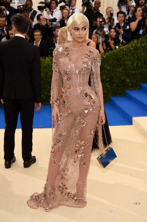 Кайли Дженър в Atelier Versace
