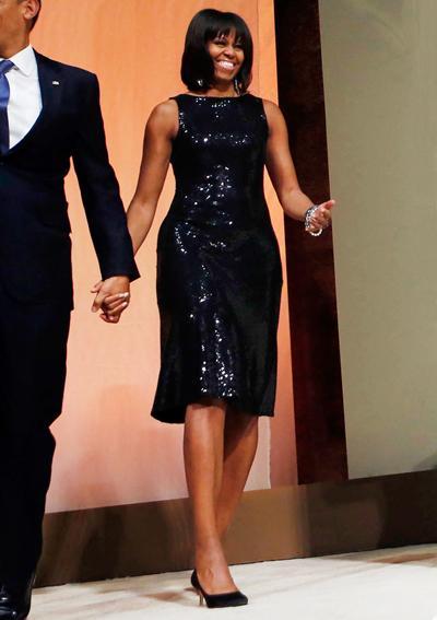 2013: В блестяща рокля на Michael Kors.