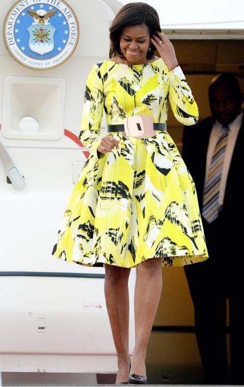 2015: В убийствено яка рокля на Kenzo.