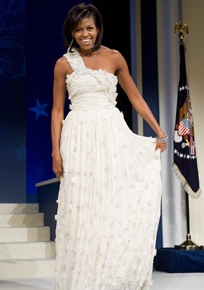 2009: В рокля с едно рамо дело на Jason Wu.