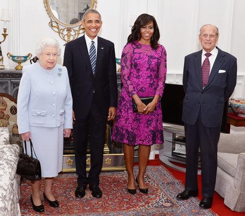 2016: За срещата с кралица Елизабет II Обама заложи на лилава рокля дело на Oscar de la Renta.