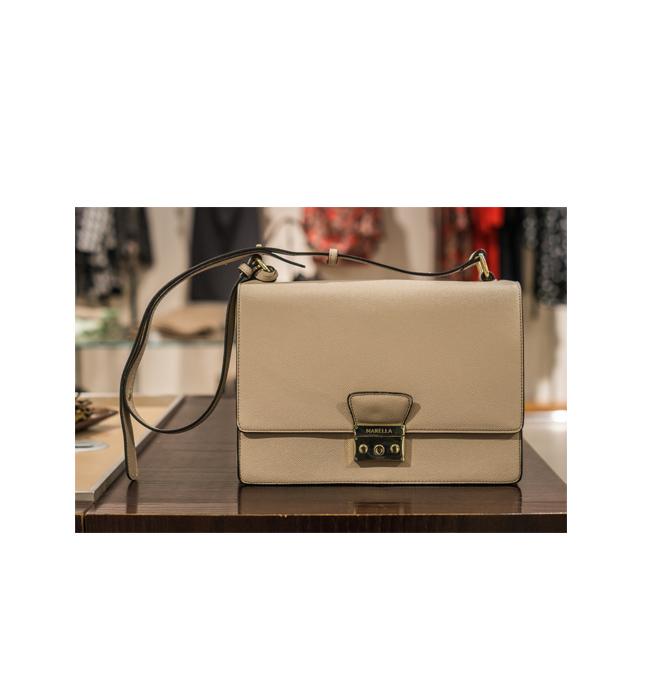 Чанта Marella от Shop MDL: Стара цена 290 лева/ Нова цена 145 лева. Колкото по-студено е навън, толкова повече очите ни се спират на топлите нюанси на бежовото.