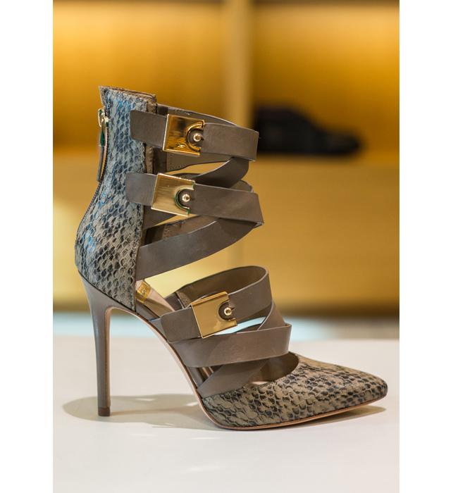 Дамски обувки Marciano от магазин Scandal: Стара цена 566/ Нова цена 396. Всяка жена се нуждае от поне един екстраваганден модел обувки в личната си колекция.