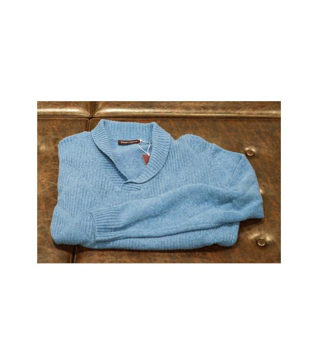 Мъжки пуловер Desizo Monini: Стара цена 94 лева/ Нова цена 75 лева. Кой е казал, че големите яки не отиват на мъже?