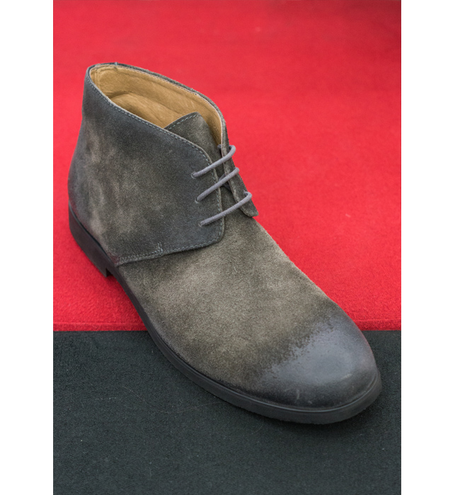 Мъжки обувки Hush Puppies: Стара цена 259 лева/ Нова 155 лева. Придават елегантност на ежедневния силует. Все още сме на вълна велур.