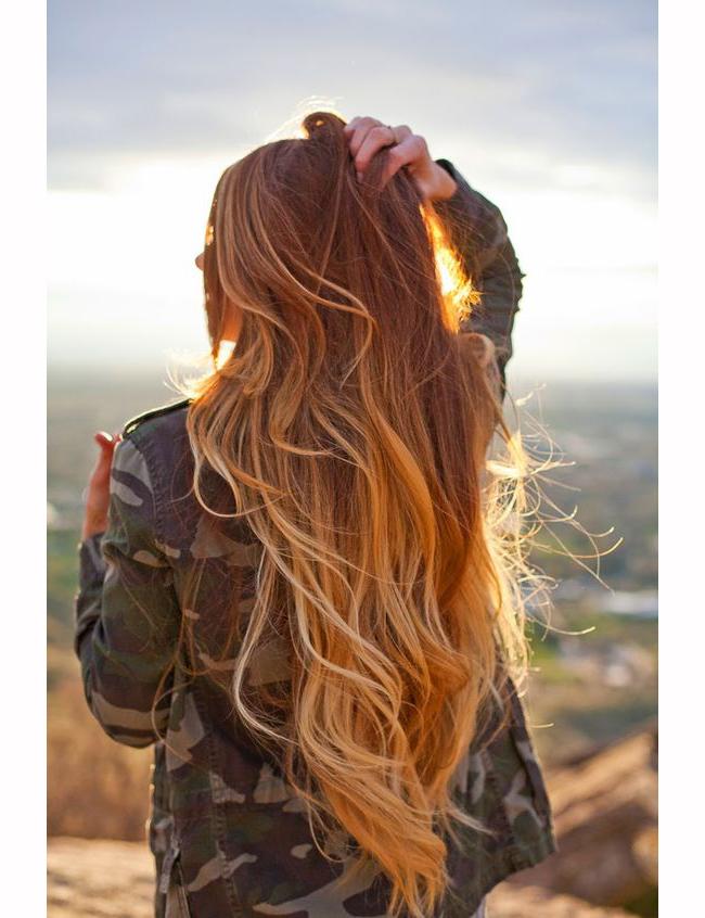Подгответе косата си за сън   Ако косата ви е тънка и лишена от всякакъв обем, а на сутринта се чудите дали домашният любимец кротко е спал до вас или е изразявал привързаността си, целувайки ви по главата, специалистите съветват да използвате сух шампоан като превантивна мярка. Напръскайте върху корените на косата и легнете да спите. На сутринта няма да има следа нито от спластени кичури, нито от пудрата в шампоана.