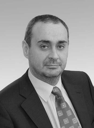 """Борис Велчев Потомствен юрист, след Английската гимназия следва право в СУ """"Климент Охридски"""", преподава и превежда. Има негови преводи на Греъм Грийн.  На 43-годишна възраст, през 2006 е избран за Главен прокурор на РБългария, което го прави най-младият главен прокурор в историята на България."""