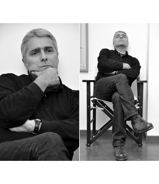 """Чавдар Гюзелев   Като повечето творци той притежава магнетизъм  и една особена тайнственост. Освен с художествените си творби, го познаваме и със сценографските му проекти за """"Сирано дьо Бержерак"""" от Едмон Ростан, """"Поетичен спектакъл"""" на Теди Москов в Народния театър, """"Почти представление"""" от Итън Коен в Младежкия и много други. Израснал в актьорска среда, с баща - големия оперен певец Никола Гюзелев, и брат, илюстраторът Ясен Гюзелев, Чавдар изпъква със своята директност и интелигентно бунтарство, които допълват творческите му постижения. На наградите АСКЕЕР 2015 той бе отличен с приз в категорията """"Сценография"""" за постановката """"Каквато ти ме искаш"""" от Луиджи Пирандело."""