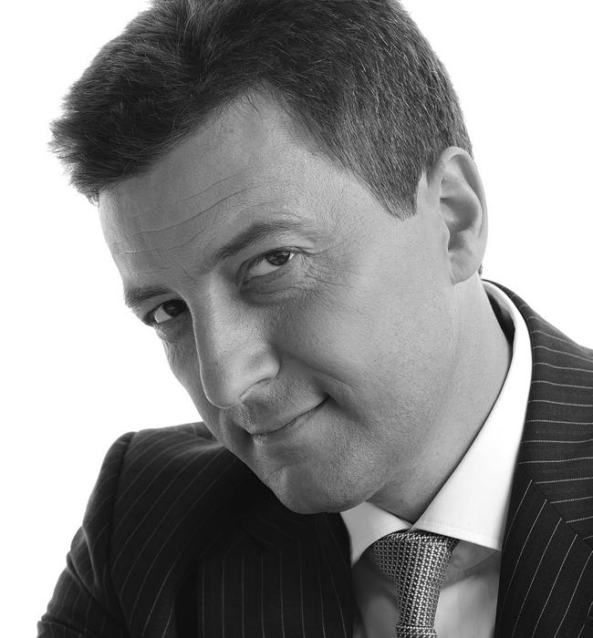 """Петър Андронов  Той главен изпълнителен директор на СИБАНК и тазгодишният носител на приза Мениджър на годината в годишния конкурс на сп. """"Мениджър"""". На церемонията при връчването на приза, Андронов издекламира стихотворението """"Аз мога"""" на Уолтър Д. Уинтъл, гласящо: """"Не най-силният, нито най-бързият обезателно грабват залога, но човекът, печелещ играта, е тоз, който мисли """"Аз мога!"""""""". Какъв по-привлекателен, надежден и устойчив начин на мислене би могъл на има един съвременен устремен към успеха български мъж-лидер?!"""
