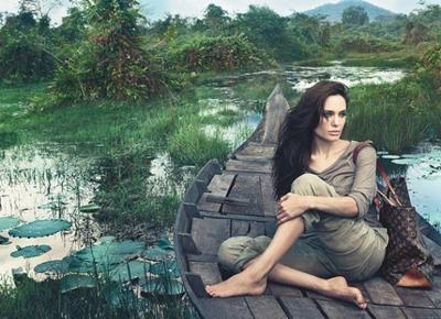Анджелина Джоли в кампанията