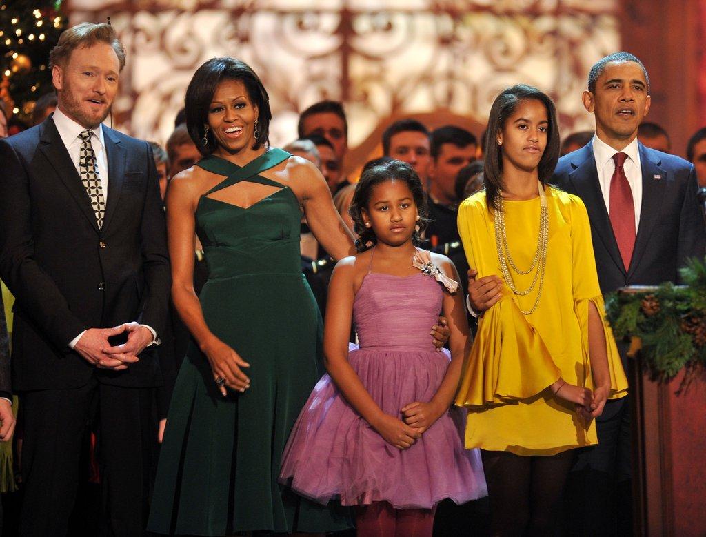 Първите щерки изглеждат повече от перфектно за Коледа 2011.