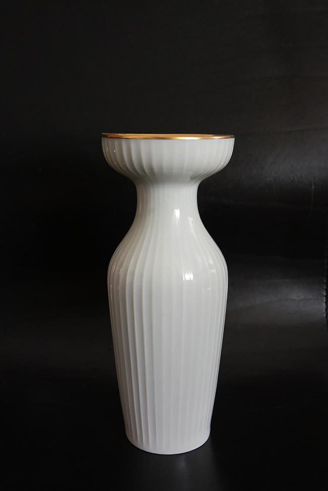 Дизайнерска ваза, находка от антикварен магазин