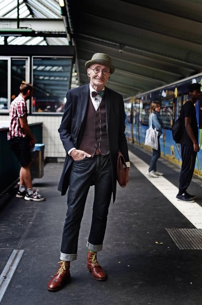 Стилното деди Павел Бабала, който спечели сърцата на всички и стана световно известен с убийствения си моден нюх.