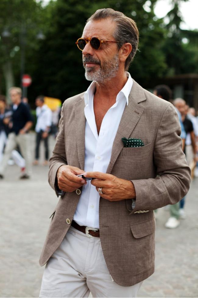 За жалост и неговото име не знаем, но сме убедени в едно - има нюх за мода.