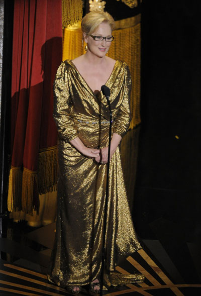 ДА! Мерил Стрийп  Актрисата се оказа звездатана вечерта не само зарадизлатната статуетка,която получи, а и зарадиблестящата еко-съобразнарокля Lanvin, с която отвяконкуренцията дории на червения килим. Мерилбеше с обувкиSalvatore Ferragamo. Марка, която е любима инасаматаМаргарет Тачър.