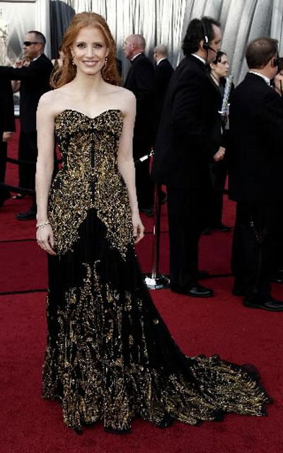 ДА!ДжесикаЧастейн Невероятен е изборът,който актрисата беше направила за рокля и за придружител,с които да се появина церемонията. Тя беше взеласъс себе си своятабабаМерилин,а завъншния си видсе беше доверилана Александър Маккуини Хари Уинстън!