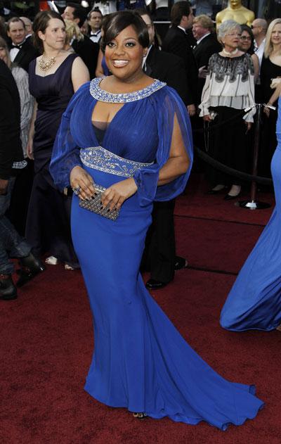 НЕ!Шери Шепърд  Хвана ни малко срам,когато видяхме турскосинята рокля на Шери. На нея не й пукаше обаче,защото разчиташе на силниякоз, който криеше подроклята си. (педикюра)