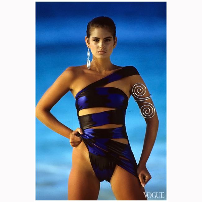 Май, 1986 г. Синди за Vogue Италия. Фотограф е Уейн Мейзър.