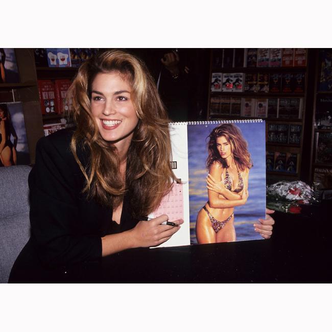 1992 г. Синди на презентацията на своя календар.