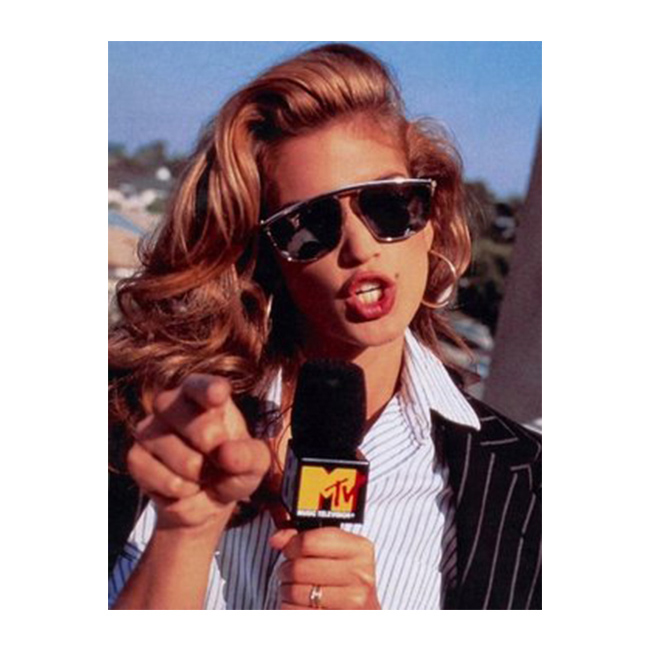 90-те С микрофона на MTV.
