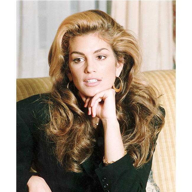 90-те Изключителна не само по лъскавите страници. Синди е очарователна и извън моделската сцена.