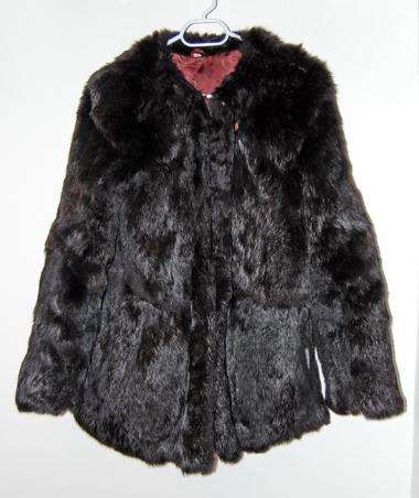 Заешко палто, 120 лв, на бул. Стамболийски 66