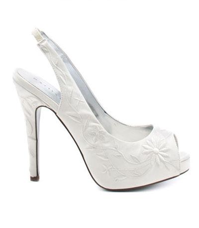 Martinez Valero, 127 долара  heels.com