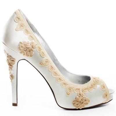 MARTINEZ VALERO, 104 долара  heels.com