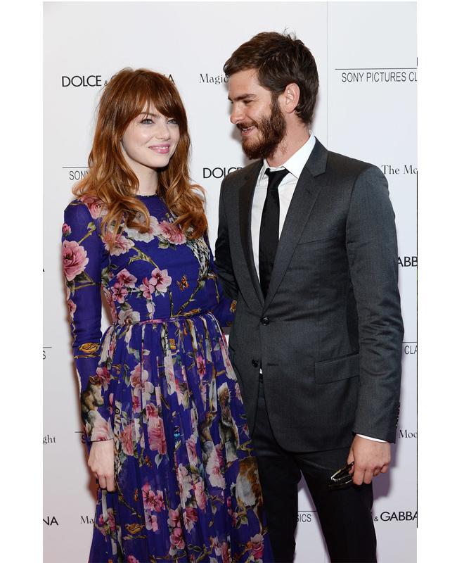 Ема Стоун и Андрю Гарфийлд  Не като раздяла, а като почивка един от друг, бе категоризирана липсата на каквато и да е комуникация между двамата актьори. След тригодишна връзка, те просто спряха да се появяват заедно, като Андрю не придружи Ема нито на церемонията за наградите Златен глобус, нито на церемонията за наградите Оскар.