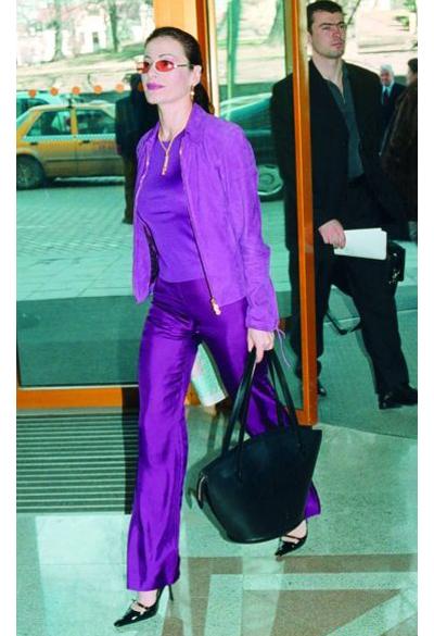 Дарина ПавловаВдовица на един от най-богатите българи, живее в чужбинаи лично се познава сБерлускони.