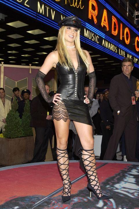 Бритни Спиърс, 2002 година