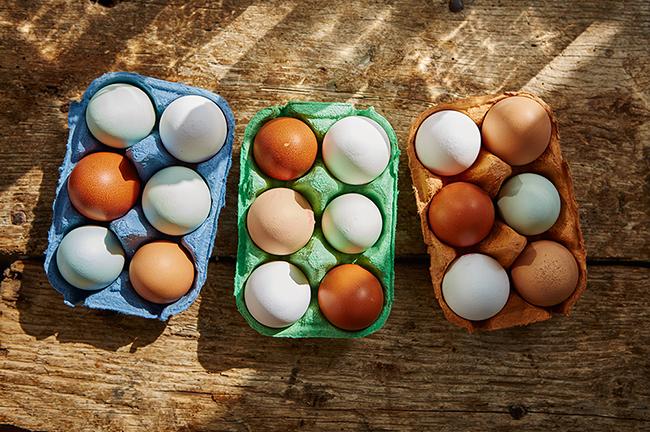 Яйца Две големи яйца от свободна кокошка съдържат 1/8 от препоръчителната дневна доза витамин D.