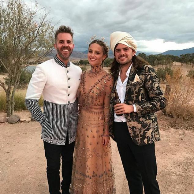 Диана Агрон и Уинстън Маршъл Звездата от Glee и музикантът от групата Mumford & Sons решиха да се оженят в Мароко на 15 октомври. Двойката се сгоди още миналата година след около едногодишна връзка.