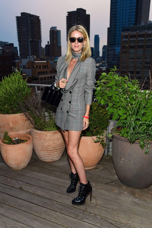 Ники Хилтън Облечена в Monse за представянето на колекция Monse Autumn/Winter 20.