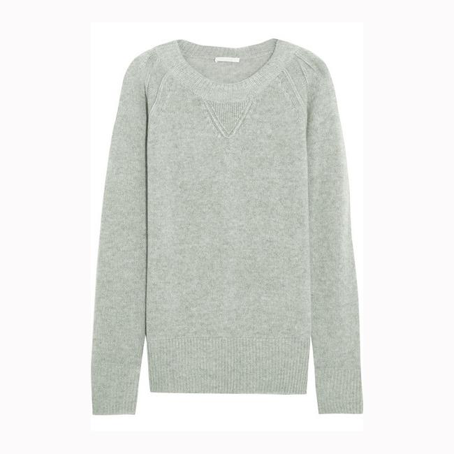 Кашмирен пуловер Chloe, 880 евро  net-a-porter.com