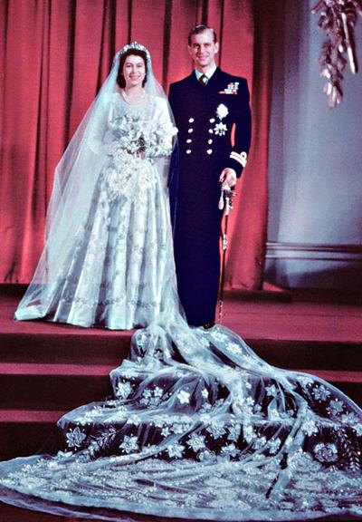 Настоящата кралица на Великобритания - Елизабет II се омъжва за принц Филип на 20 ноември, 1947 година.