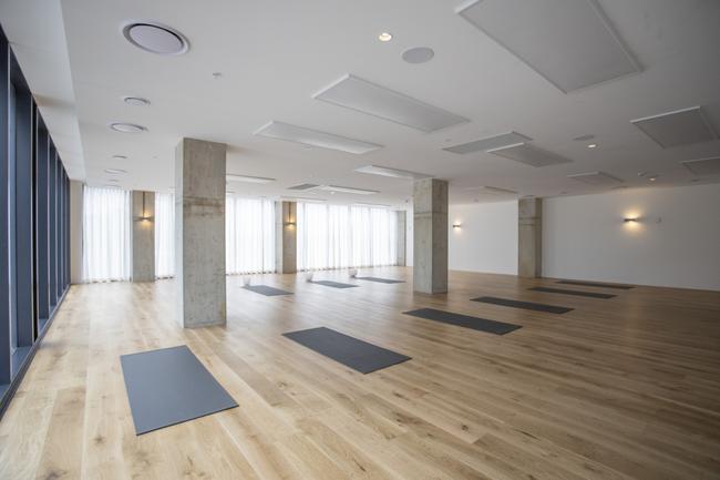 Body Mind Life, Kirrawee Това е ново студио в Kirrawee на веригата Sutherland Shire и включва отново йога, пилатес, медитация и инфрачервена сауна плюс светли студия, боядисани в бели нюанси и необработени дървени подове. Всичко, което ни трябва за здравето, се предлага от Kirrawee.
