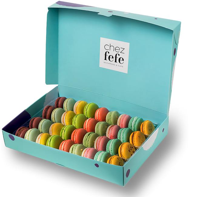 Вкусни френски макарони от Chez Fefe macarons & cafe Луксозна кутия от 36 броя, 61 лв.
