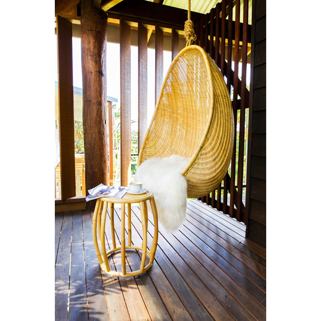 Висящ стол, 499 лв.