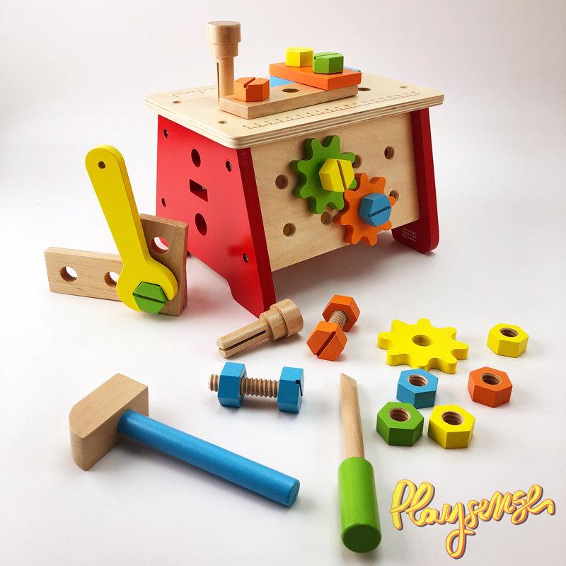 Дървен майсторски комплект с инструменти от Playsense   Комплект Viga, включващ настолна маса + дървени интрументи и дървени елементи, изработени от натурално дърво в четири различни цвята. С тях детето може да конструира всякакви форми. Завъртяната обратно работна маса се превръща в удобен куфар. Този майсторски комплект може да бъде незаменим помощник на децата, за да развиват своите сръчност, конструктивни умения, логическо мислене, фината моторика на пръстите и координация.  Цена: 49,00 лв.