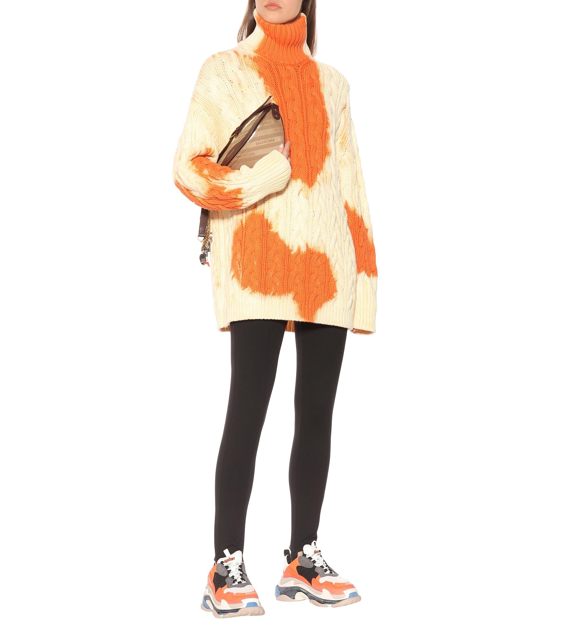 Оувърсайзд памучен пуловер Balenciaga от My Theresa, от 2 463лв. на 1 231лв.