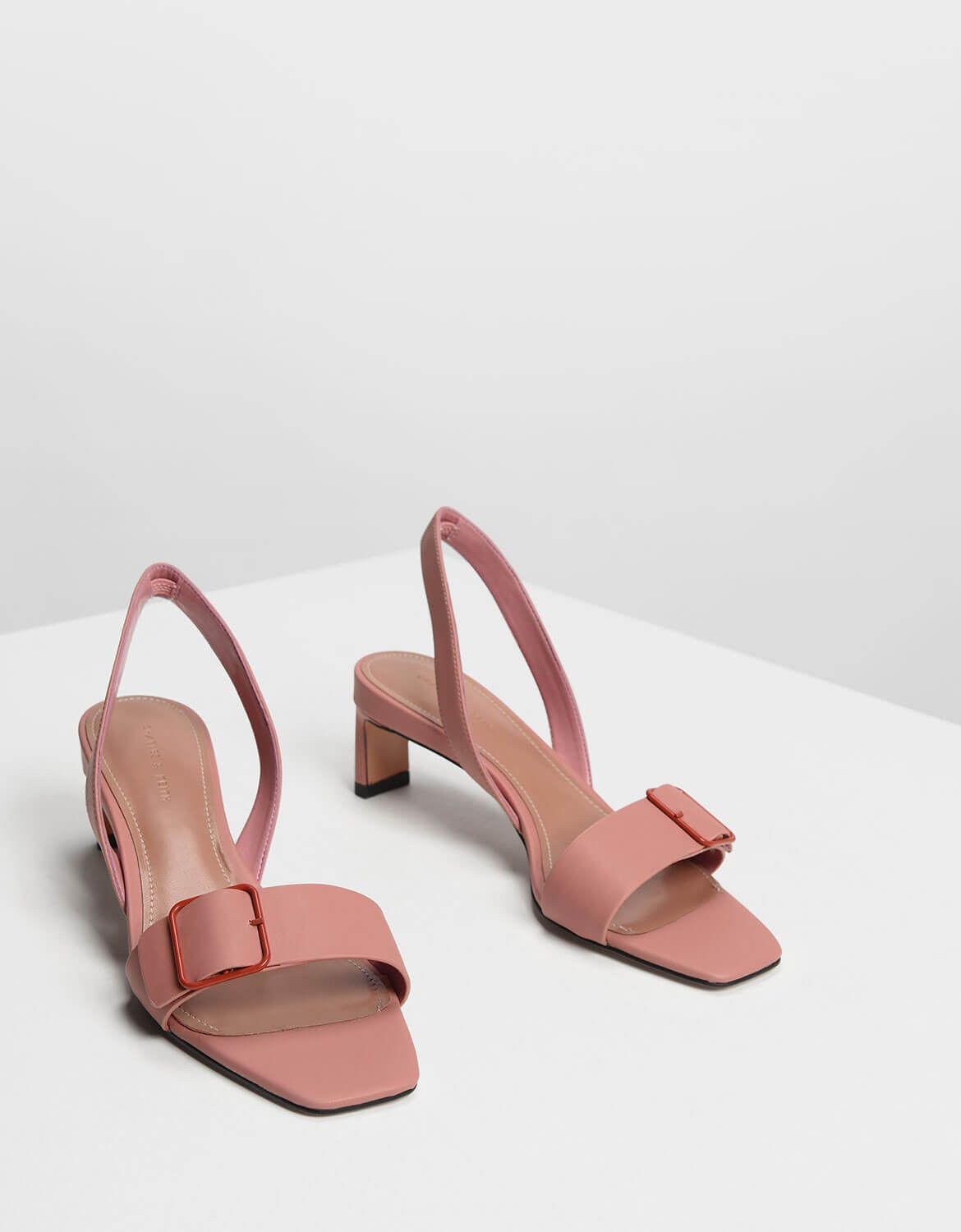Charles and Keith 112 лв.