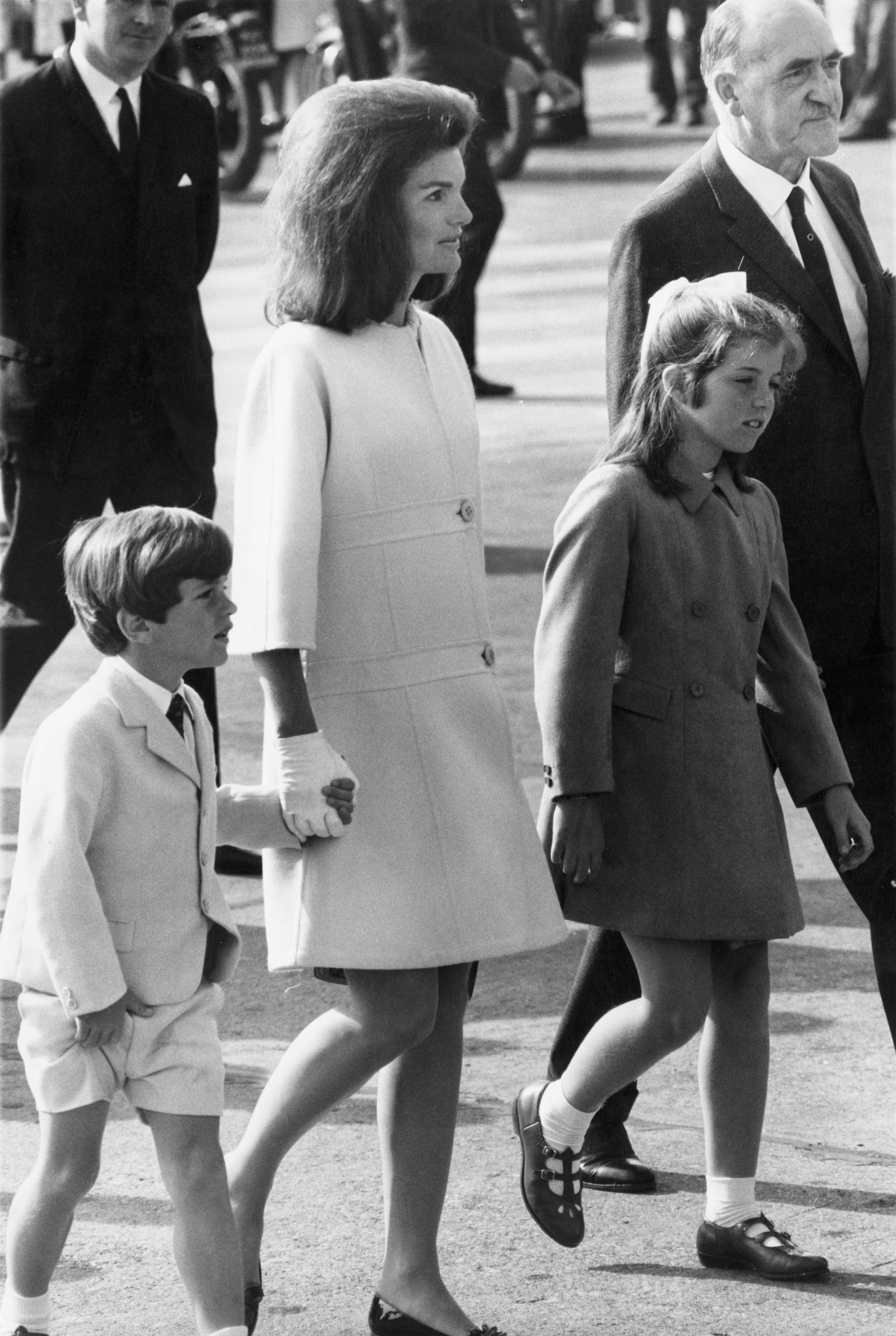 Джаки О. с Каролин и Джон Кенеди в Ирландия