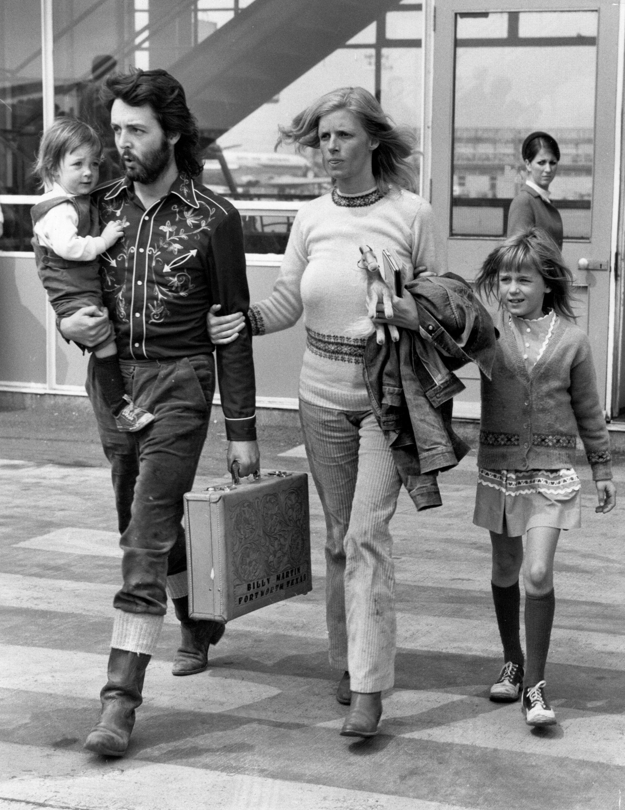 Пол МакКартни със семейството си