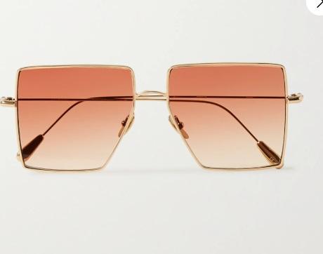 Слънчеви очила Kaleos от 382 на 191 лв. Геометричните розови стъкла в златни рамки са гаранция за добро лятно настроение и комплимент за всичките ни аутфити.