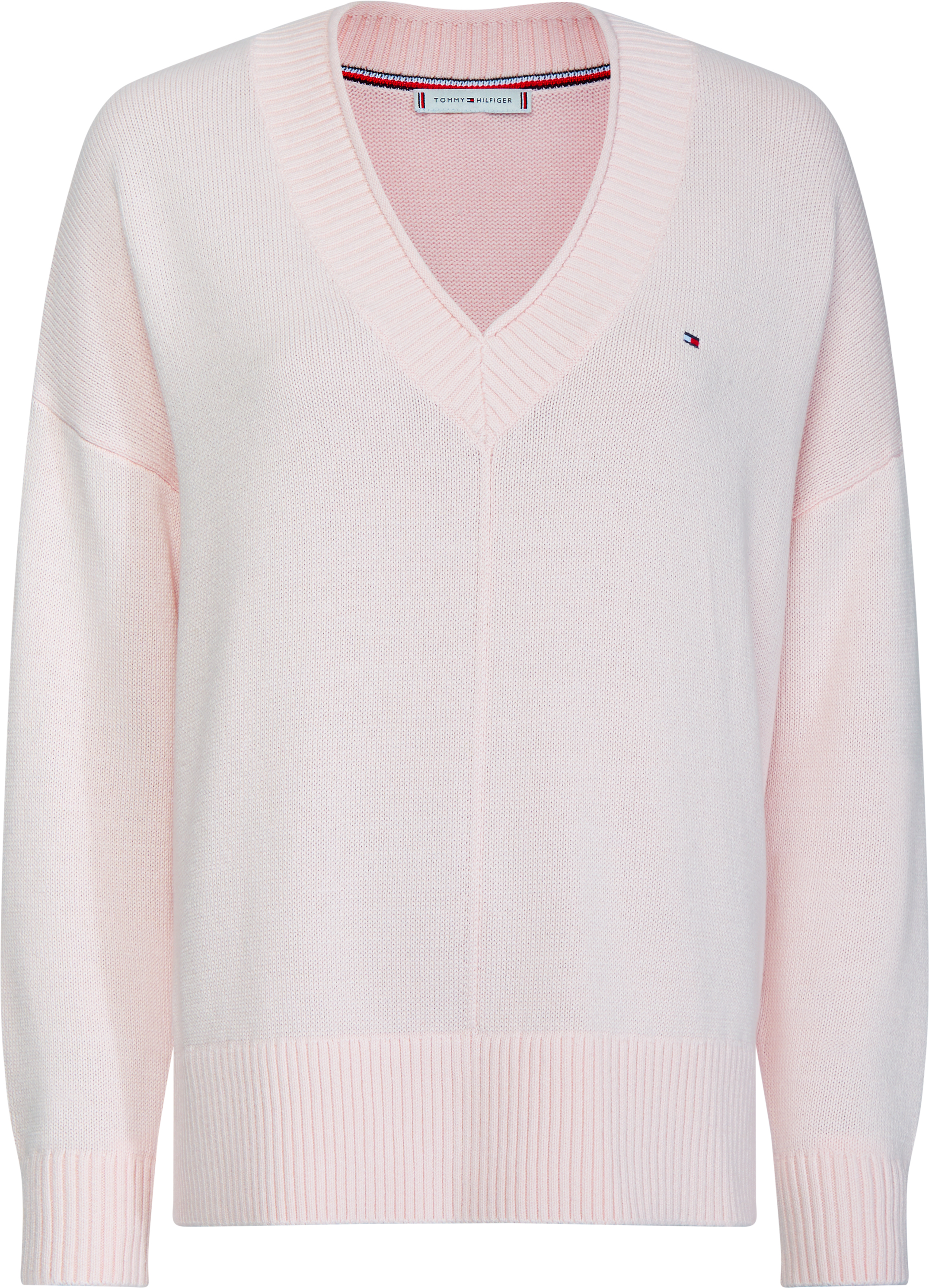 Пуловер 270 лв. Лекото плетиво е верен придружител сезон след сезон, а нежният розов тон и V-образно деколте го правят отличен избор.