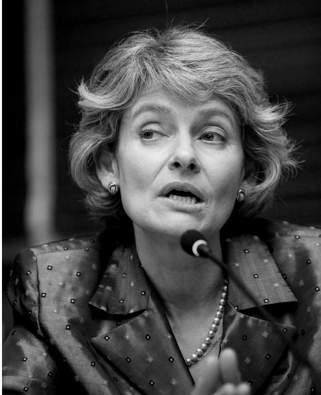 Ирина БоковаПървата българка, първата източноевропейка и първата жена, избирана някога за високия пост генерален директор на ЮНЕСКО - Организацията на ООН по въпросите на образованието, науката и културата, бе призбрана за втори мандат. Умерена в стила си, Бокова има излъчване на елегантна, балансирана и интелигентна жена.