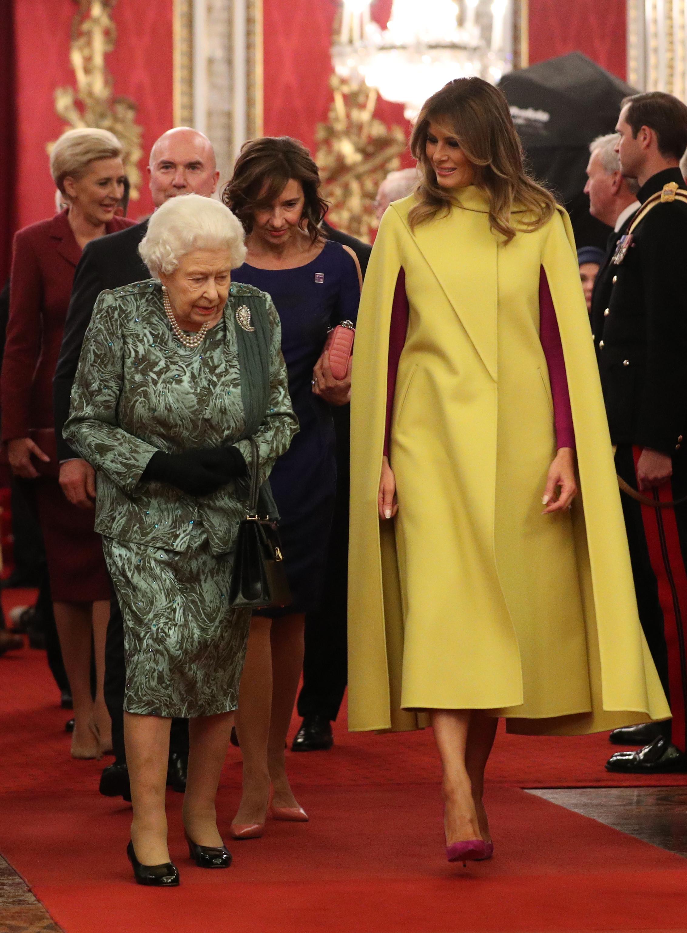 Кралицата и Мелания Тръмп