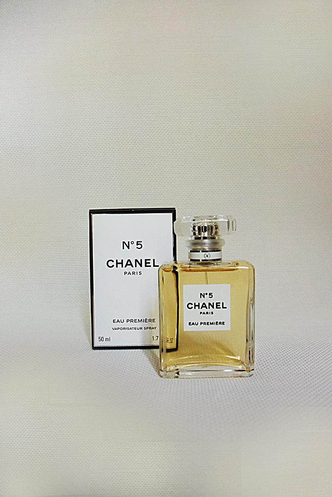 Chanel No5 Емблематичният аромат, който всяка жена желае до безбожие.